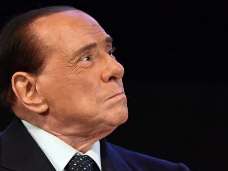 Silvio Berlusconi dimesso dall'ospedale di Monaco
