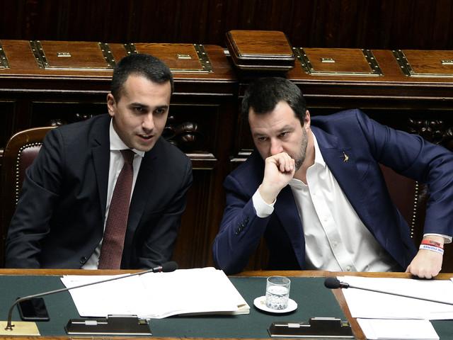 """""""Via abuso d'ufficio"""", """"Stronzate"""": scontro tra Salvini e Di Maio"""