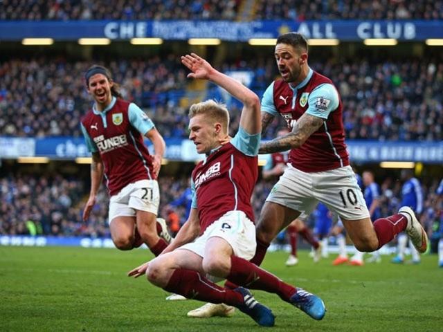 Bel match tra Burnley e Huddersfield