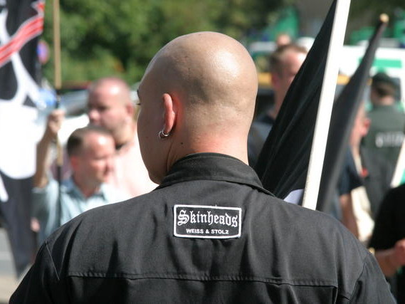 """Polizia tedesca crea reparto contro estrema destra: """"È più pericolosa del jihadismo"""""""