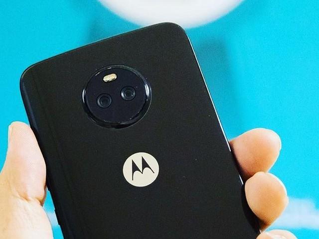 Motorola Moto X4 in due nuove foto dal vivo