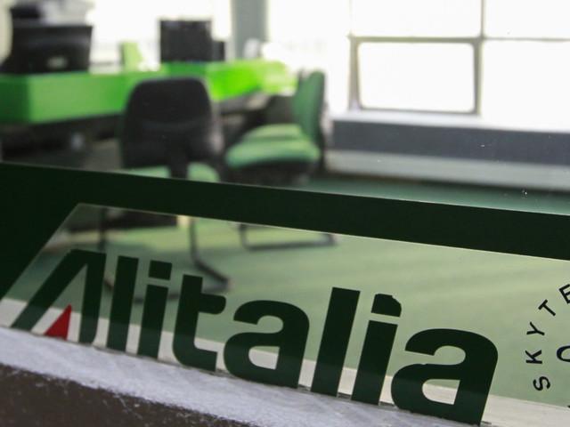 """I soci italiani di Alitalia scettici su una via alternativa al commissariamento: """"Non mettiamo più soldi"""""""