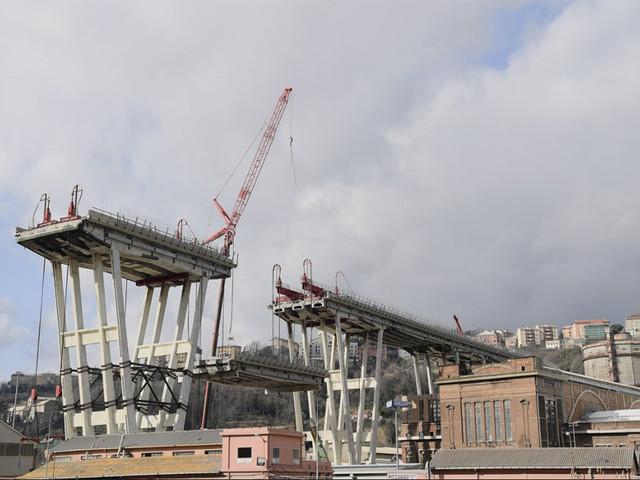 Il Ponte Morandi e la camorra2 arresti nell'impresa demolitrice