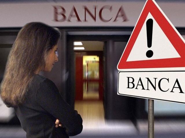 Allarme in Toscana: sportelli bancari decimati