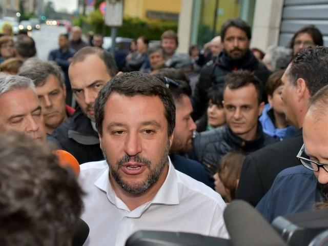 Il teatro di Salvini