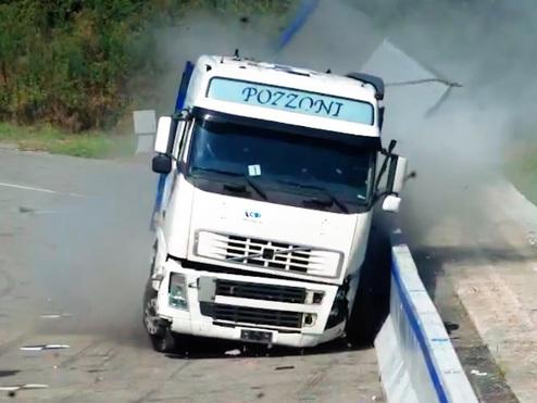 Sicurezza stradale: la barriera spartitraffico di Anas è super resistente e tecnologica
