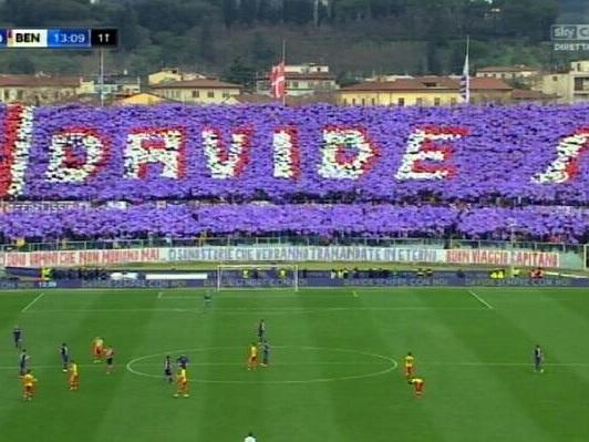 Fiorentina, Curva Fiesole: coreografia per Astori contro l'Atalanta in Coppa Italia
