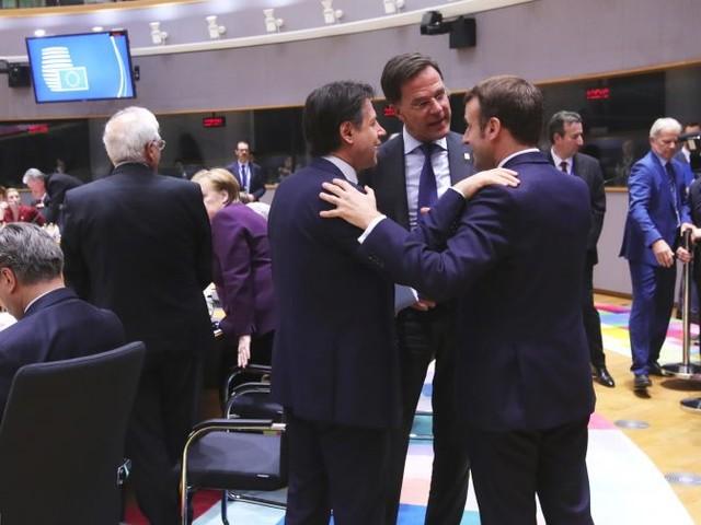 Mes, Conte ringrazia Macron: smentita la versione del governo