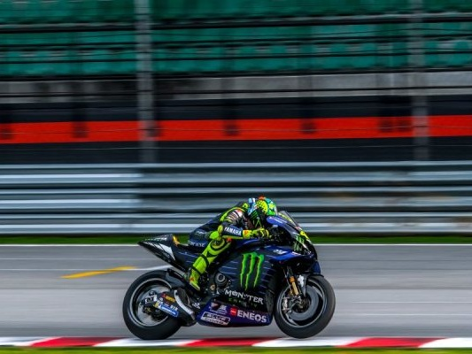 MotoGP oggi, GP Valencia 2020: orario gara, tv, streaming, programma Sky, DAZN e TV8