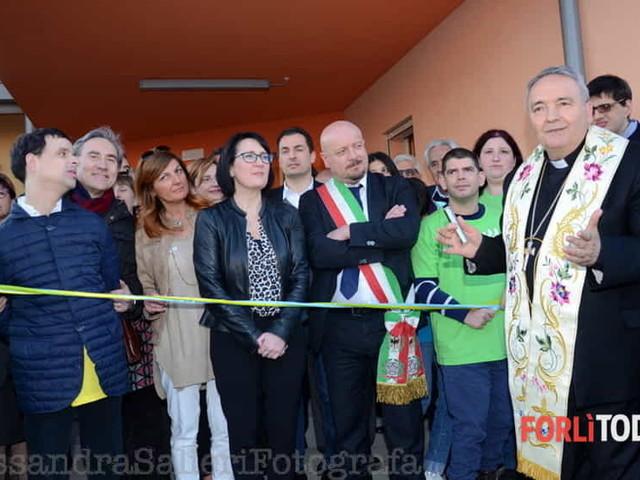 """CavaRei, inaugurato il nuovo centro residenziale: """"Si apre un cerchio all'accoglienza"""""""