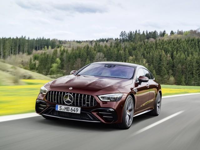 Mercedes-AMG GT Coupé4 restyling: pochi ritocchi, tanto piacere di guida