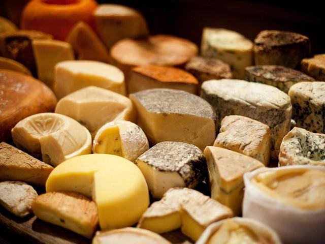 Formaggi, mangiarli fa male alla salute: ecco gli effetti negativi