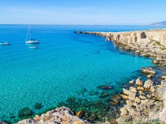 Vacanze a Favignana: meglio Cala Rossa o Cala Azzurra?