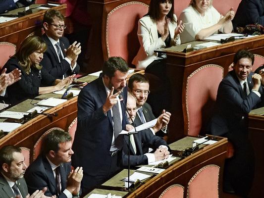 Come è stato il match al Senato tra Conte e Salvini