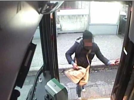 Sventa allarme bomba sul bus, autista palermitano premiato a Verona