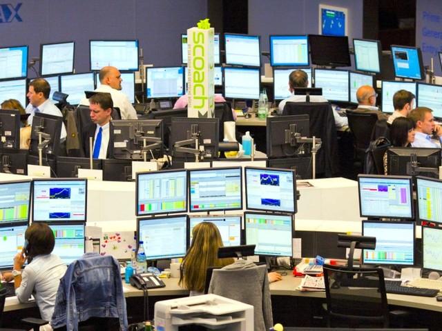 Poco mossa Wall Street