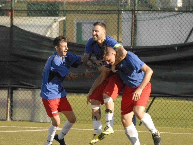 Il Santa Marinella vince il derby e vola al secondo posto: vetta a -3
