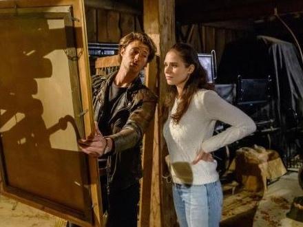 Tempesta d'amore, anticipazioni italiane: Denise e Joshua trovano i quadri magici che li uniranno!