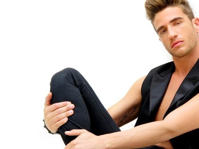 Raffaele Tizzano fa coming out: è gay l'ex ballerino di Amici