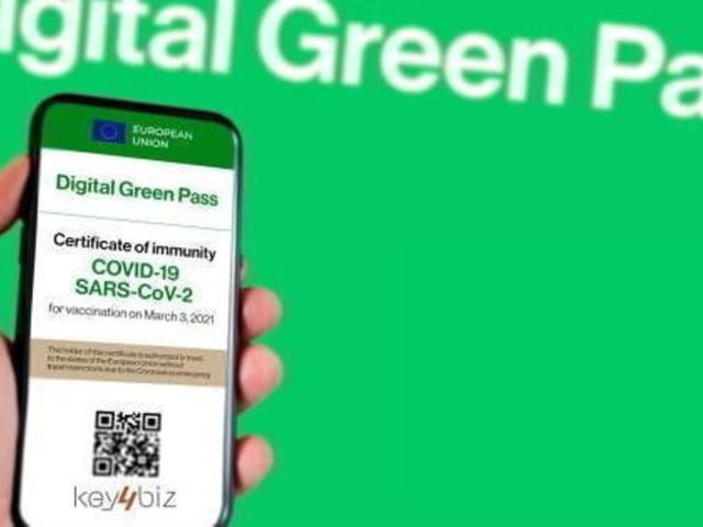 Covid, Farmacie Roma: assalto per il Green pass, non siamo stamperie