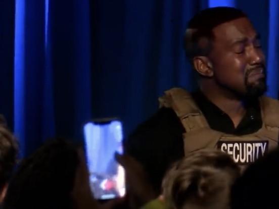 """Kanye West in lacrime: """"Stavamo per uccidere nostra figlia"""""""