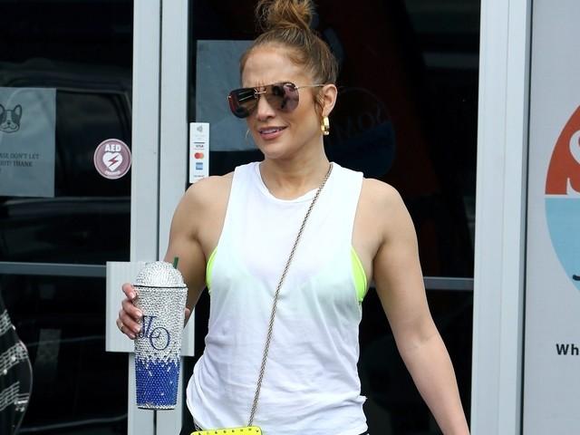 Coronavirus: Jennifer Lopez viola la quarantena per fare palestra