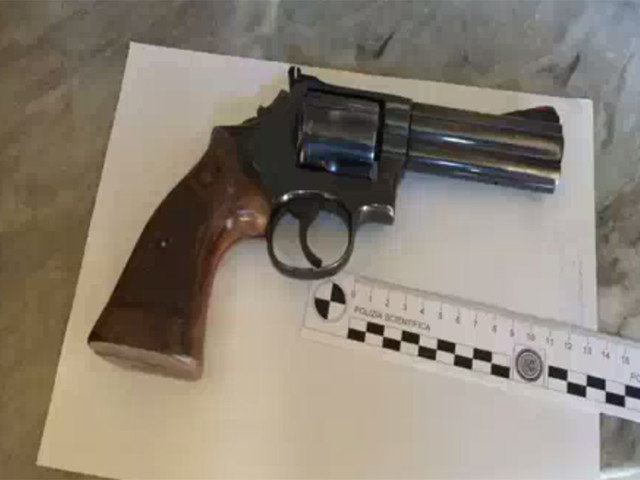 San Basilio, 2 Smith & Wesson con matricola abrasa sequestrate dalla polizia