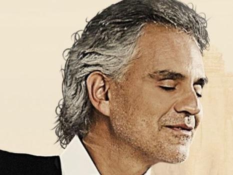 Celebrity Fight Night Italy con Bocelli, Elton John e Renato Zero: le star a Roma e il concerto al Colosseo a settembre