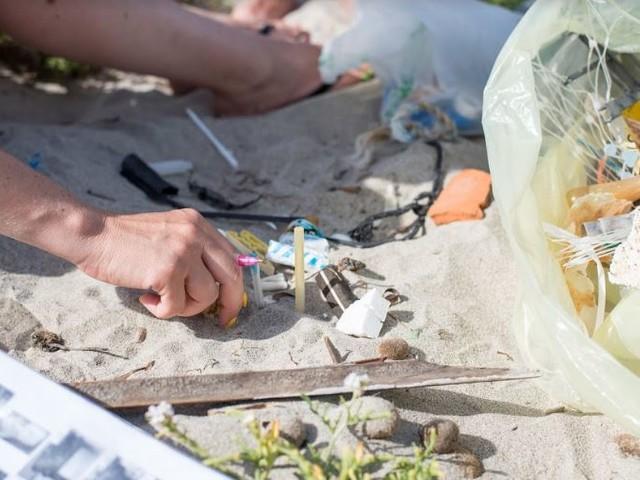 Una spiaggia europea è pulita solo se contiene meno di 20 rifiuti ogni 100 metri