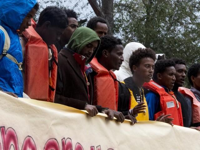 Polemiche, sgomberi, proteste. I numeri dicono che Roma può accogliere ancora migranti, ma i ritardi e la mancanza di strategia portano al caos