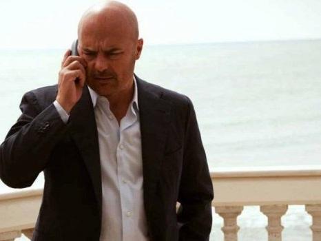 La fine di Montalbano dopo la morte di Andrea Camilleri, stop alle riprese: l'ultimo libro è un segreto in un cassetto