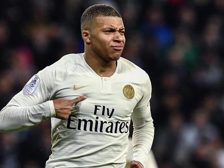 Psg, stop a Fly Emirates: il club parigino cerca main sponsor da 50 milioni