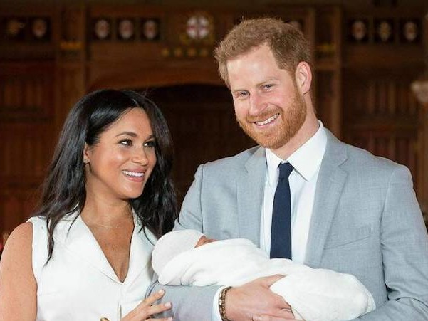 Ecco Archie, la prima vera foto del volto del figlio di Harry e Meghan per la festa del papà