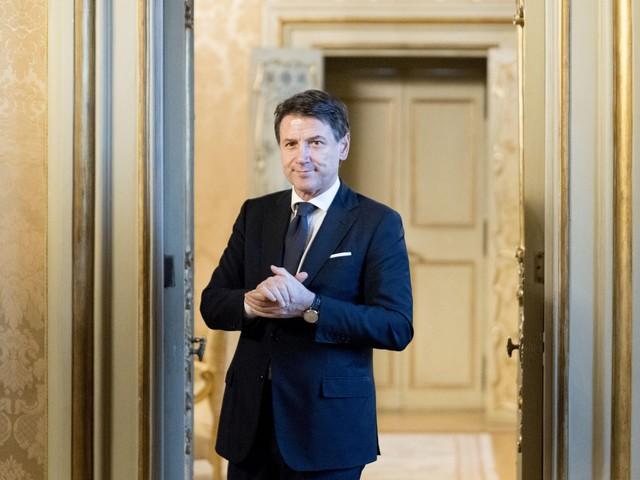 Italia viva, governo morto. E Conte rassicura Mattarella