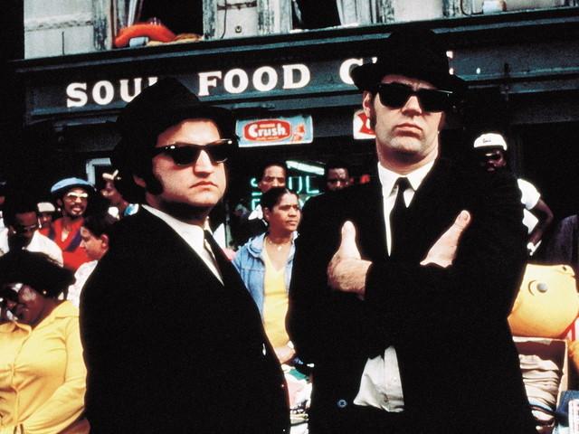 """The Blues Brothers"" torna in tv: su Iris il cult con John Belushi e Dan Aykroyd"