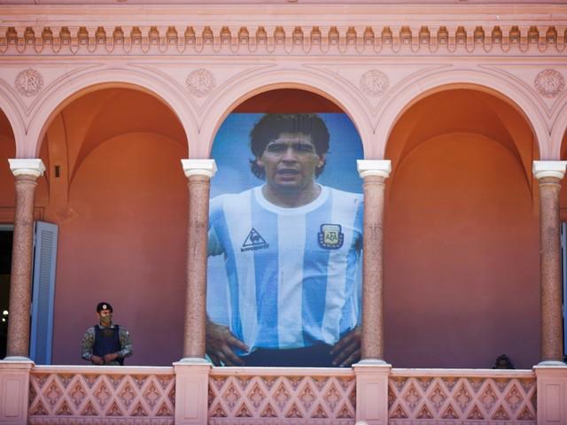 """La strana richiesta di Maradona: """"Quando morirò..."""""""