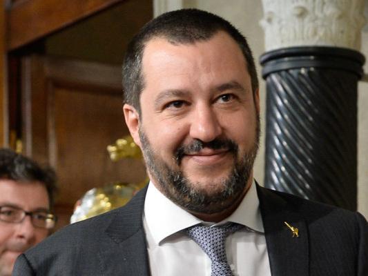 Salvini nel salotto buono della finanza per dimostrare di non essere un elefante in un negozio di porcellane