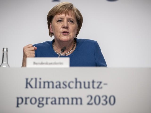 La Germania ascolta Greta: 100 miliardi di euro per il clima