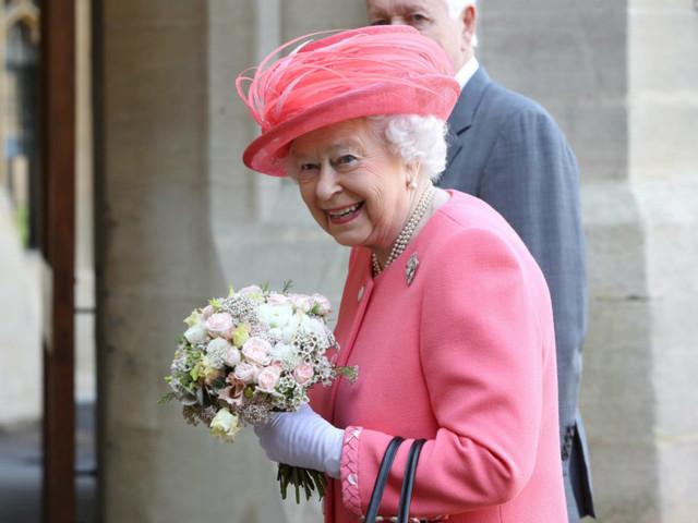 Il nuovo (bellissimo) ritratto della regina Elisabetta