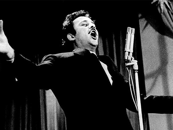 Domenico Modugno e i grandi cantautori, la Rai vince gli ascolti con Techetechetè Superstar