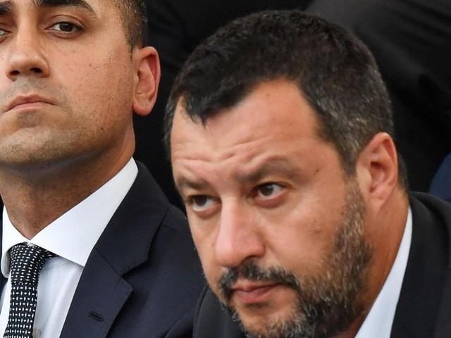 """Crisi di governo, Di Maio: """"Salvini è disperato, parla solo di M5S"""". """"Nuova maggioranza? Ci affidiamo a Mattarella"""""""