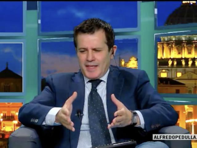 """Pedullà: """"La Fiorentina fa muro per Kalinic, ma tra Milan e il croato accordo facile da trovare"""""""