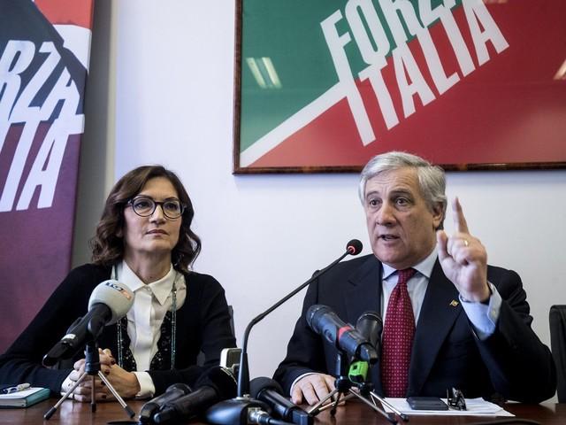 Il progetto di Forza Italia: tetto alle tasse nella Carta