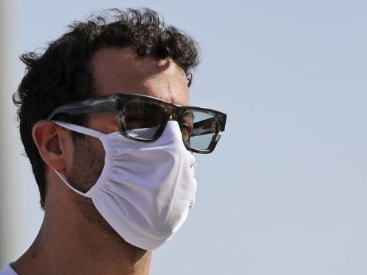 """F1, Daniel Ricciardo: """"Troppi replay, mancanza di rispetto per la famiglia di Grosjean"""". Gli organizzatori rispondono"""