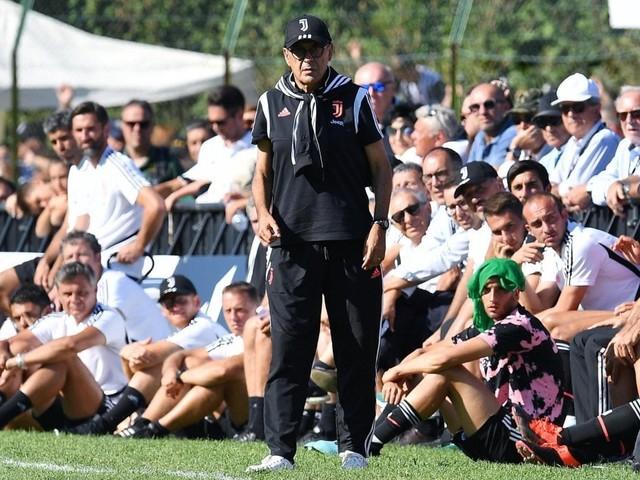 Juventus, Sarri ha la polmonite: rischia di saltare l'esordio a Parma
