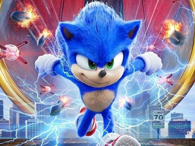 Il film Sonic the Hedgehog in un trailer che mostra il nuovo design del porcospino blu