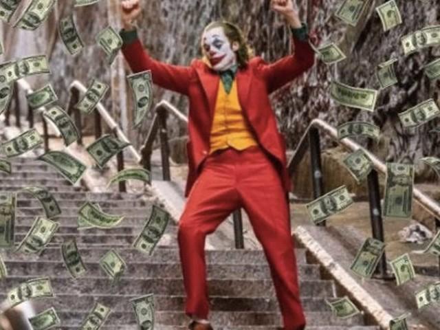 Joker: Todd Phillips ringrazia per l'incredibile successo al Box Office