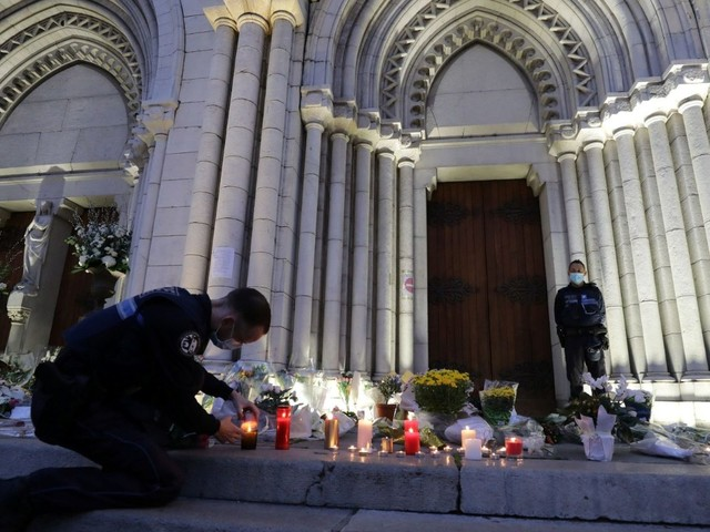 France mourns victims of Nice church attack