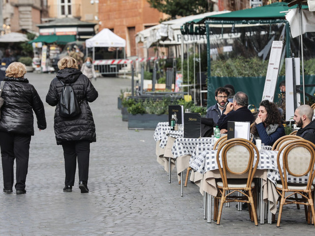 Dai teatri ai ristoranti, i ministri vanno in ordine sparso sulle riaperture