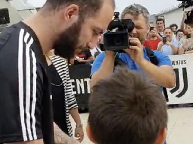 Calciomercato Juventus, Higuain potrebbe rinnovare: per adesso no al River Plate
